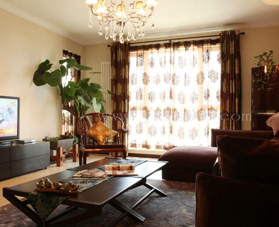 中式风格客厅绣花窗帘